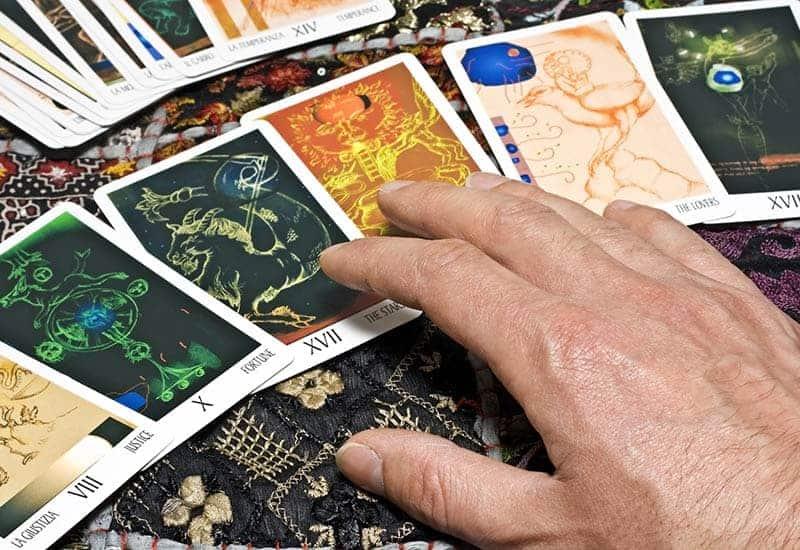 Kako postaviti pravo pitanje tarot majstoru
