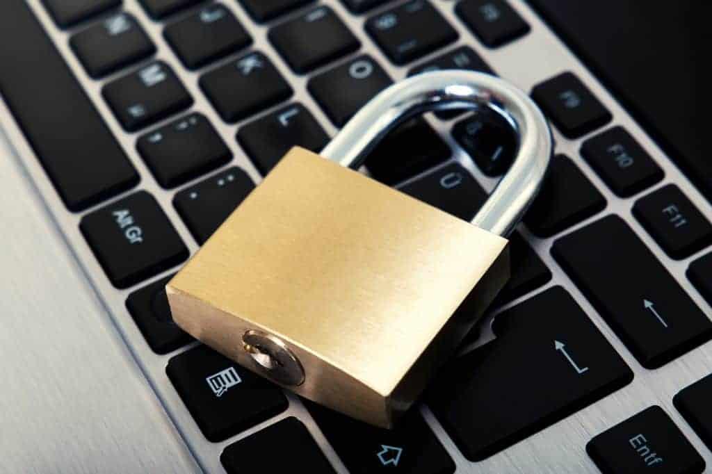 Kršenje privatnosti na Facebooku
